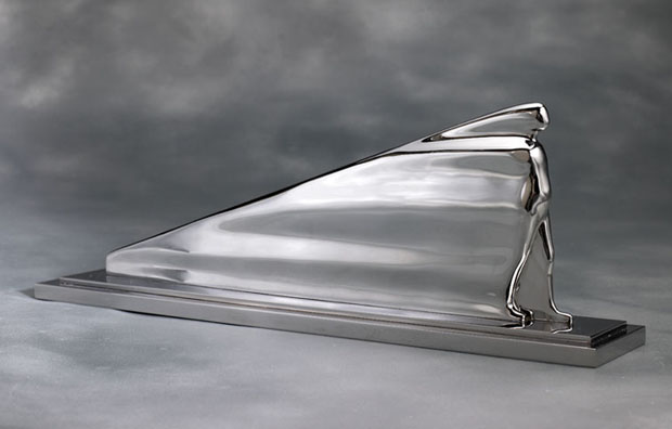Ernest Trova, Flowing Man, 1972. Stainless steel, 13.5 x 39 x 7 in or 34.3 x 99 x 17.8 cm. Edition of 8 + 2AP.