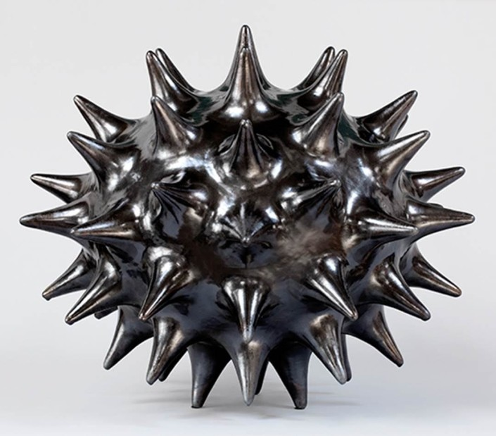 Pamela Sunday, XXXL Electrum, 2016. Stoneware with black glaze, 31 × 31 x 28 in or 79 × 79 x 71 cm.
